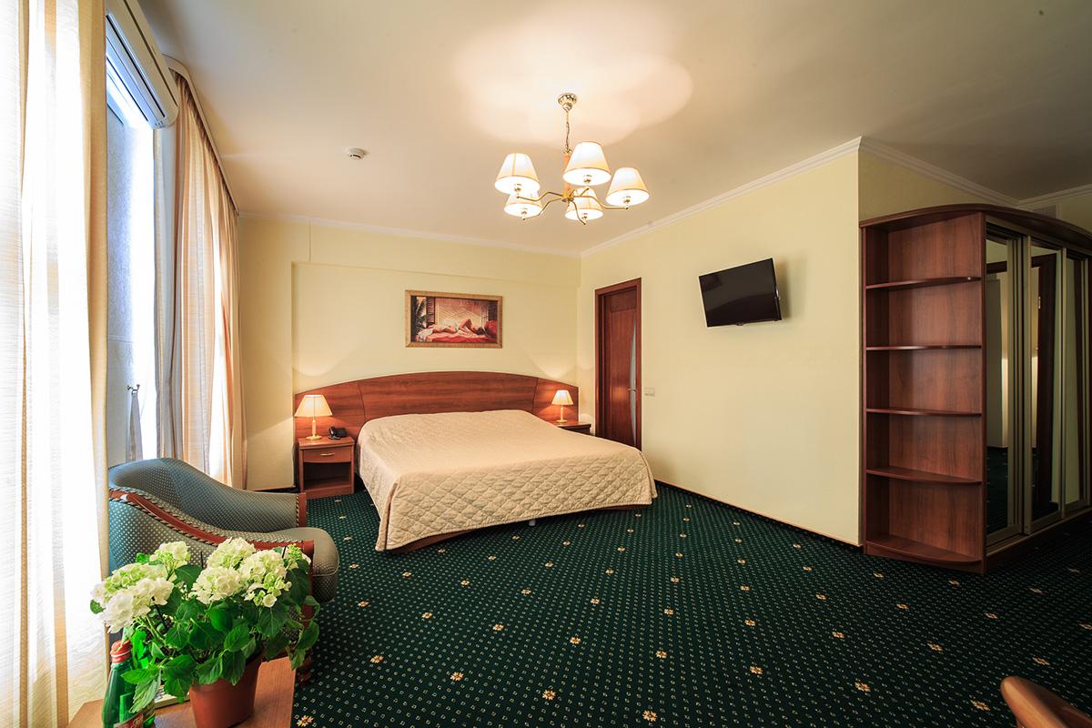 Комфортный номер люкс в гостинице Берлин